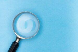 Mag de verzekeraar kwaliteitseisen stellen aan de contra-expert?